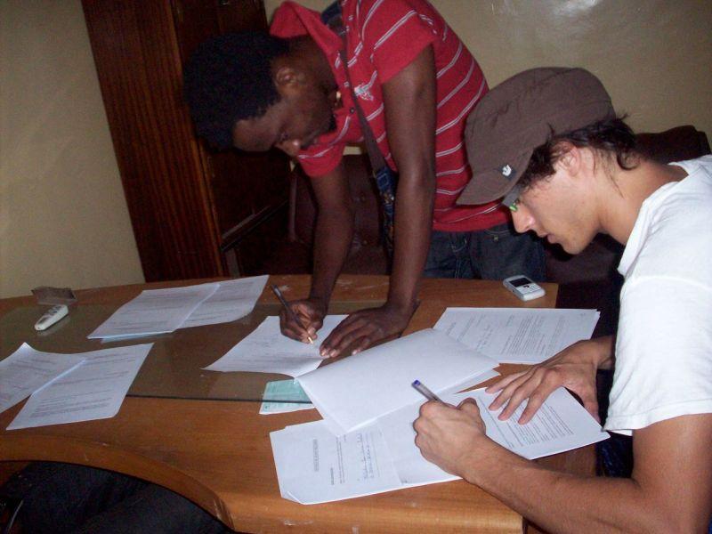 Benjamin signing my favorite Coupe Decale artist Kedjevera!